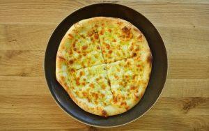 Фокача със сирене и кашкавал